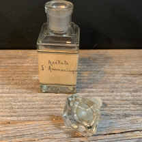 Ammonia acetate: very nice old bottle