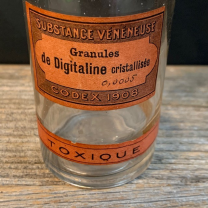 Digitaline - poisonous substance: Pharmacy flask
