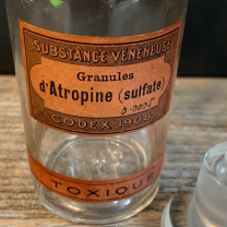 Atropine - poisonous substance: Pharmacy flask