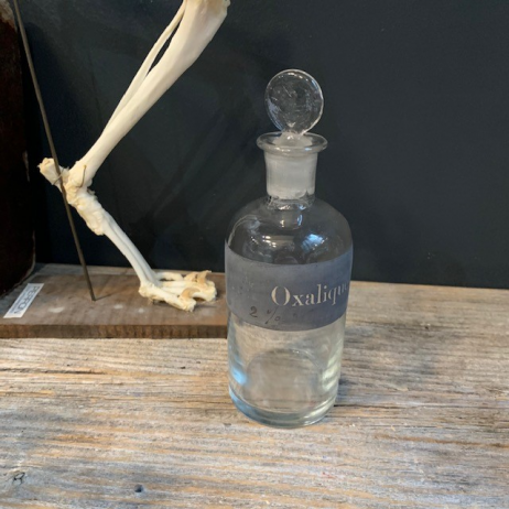 Acide Oxalique 2%: Old bottle with emery cap