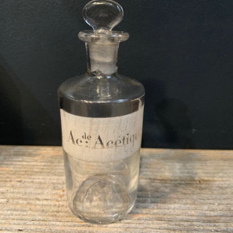 Acide acétique: Old bottle with emery cap