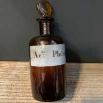 Acide phénique: Old bottle with emery cap