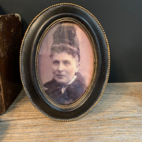 Haunted frame: Aunt Astrid (black oval)