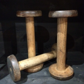 Bobine de filature en bois