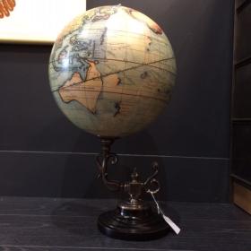 Globe Vaugondy Baroque sur pied