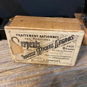 Healing of Snake Bites: the rescue kit. XIXth century