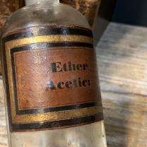 Pharmacy jar: Ether Acetic. - Acetic Ether
