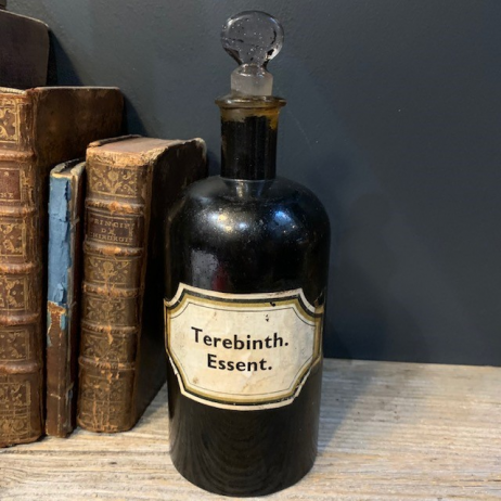 Pharmacy jar: Terebinth. Essent - Essence of Therebenthine