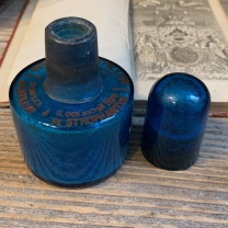 Peptone CATILLON and strophantus extract - Pharmacy blue bottle from the end of the 19th century