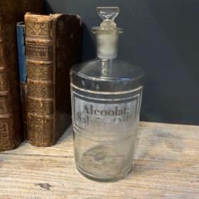 Pharmacy jar: Alcohol: Sage Oil