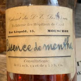 Essence de menthe - Flacon de pharmacie