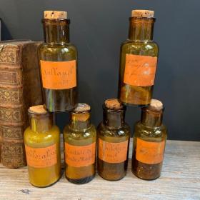 Flacon ambré ancien de pharmacie - Etiquette manuscrite