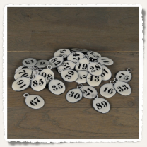 Oval enamelled hotel plates