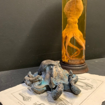 Octopus N°70: Sculpture in resin and bronze powder - Limited edition (1000 pieces)