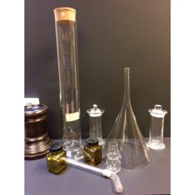 Tube coudé en verre de laboratoire