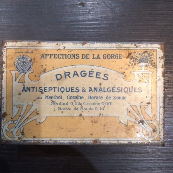 Boîte de dragées Menthol-Cocaïne