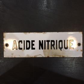 "Enamel plate ""NITRIC ACID"" in black"