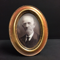 Haunted frame: Grand Pa Esbat (golden oval)