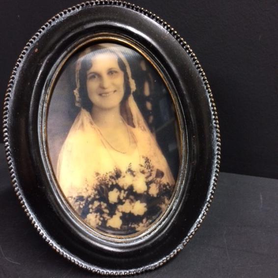 Haunted frame: Aunt Sarah (black oval)